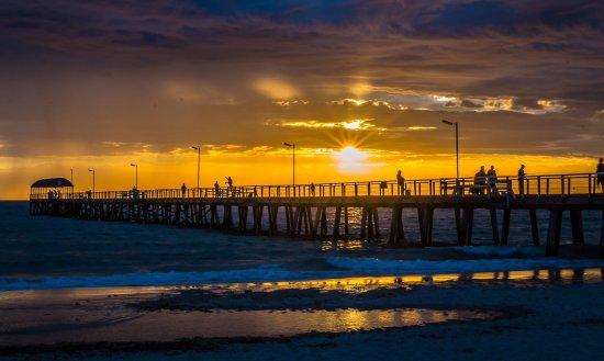 henley-beach-jetty-at